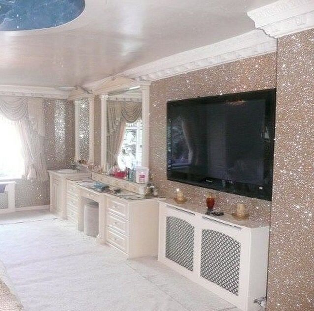 Idea For How This Rose Gold Glitter Accent Wall Could Work In The Living Room