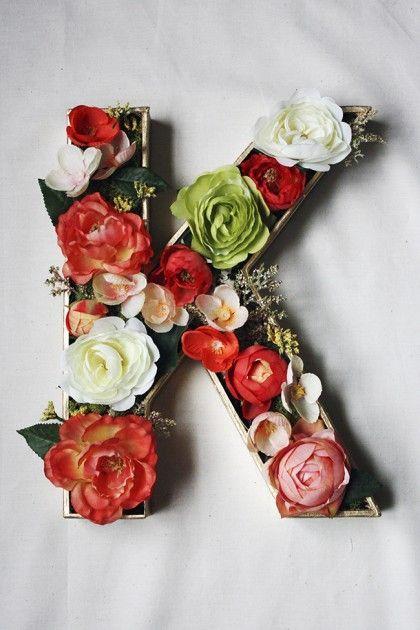 Flower Letter #diy #homedecor #flowers #monogram