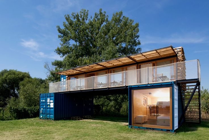 Completed in 2015 in Křešice, Czech Republic. Images by Michal Hurych . ARTIKUL architects designed a small mobile hotel from used shipping containers. Its first location is on a surf campsite at the Elbe riverbank close...