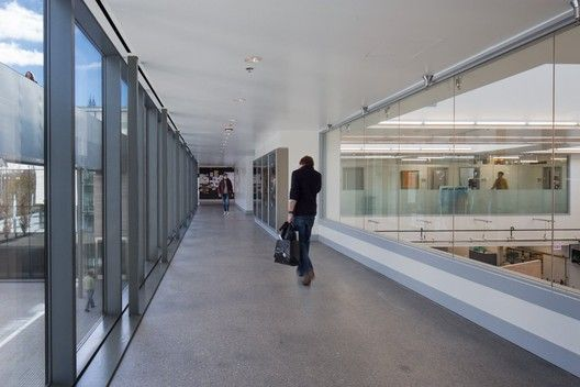 Logan Center for the Arts, University of Chicago / Tod Williams Billie Tsien Architects,2nd Floor Main Street © Tom Rossiter