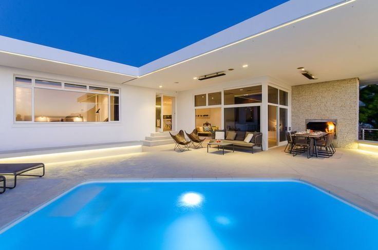 Strathmore 45  State of the art 3 Bedroom Camps Bay villa with modern facilties, excellent views in a central location.