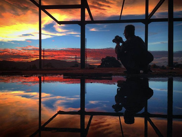 """ Diam Bukan Berarti Tidak Tahu "" : iPhone 5 : @art_theis : STT Nusa Putra Sukabumi . . . @hptografi  #hptografi #photography #phonephotography #phonecamera #sky #skies #orange #blue #shiluette #dark #sunset #black #photographer #reflection #construction #sukabumi_ #kusukabumiku #sukabumi #kofipon #kofiponsmi"