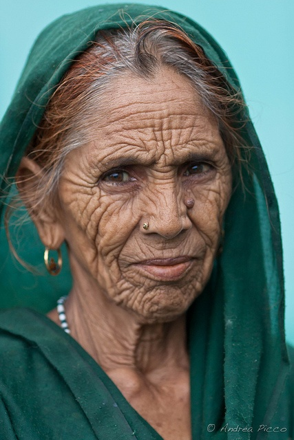 old woman, India by g_trevize, via Flickr