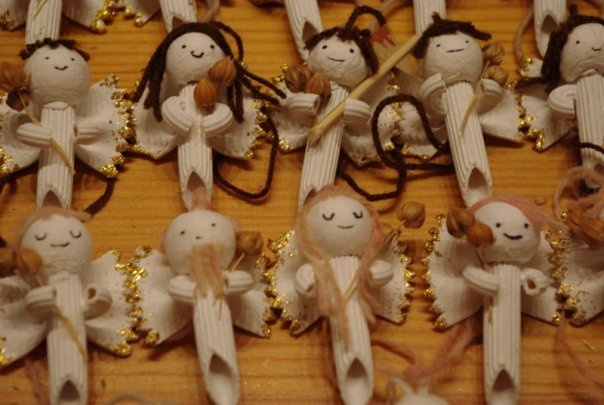 A little something that I did for Christmas - macaroni angels.
