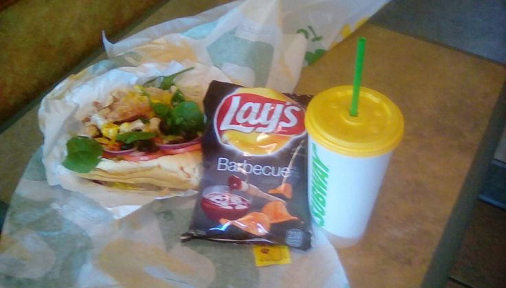 Chicken and Bacon Ranch Melt with chips and drink (Subway)