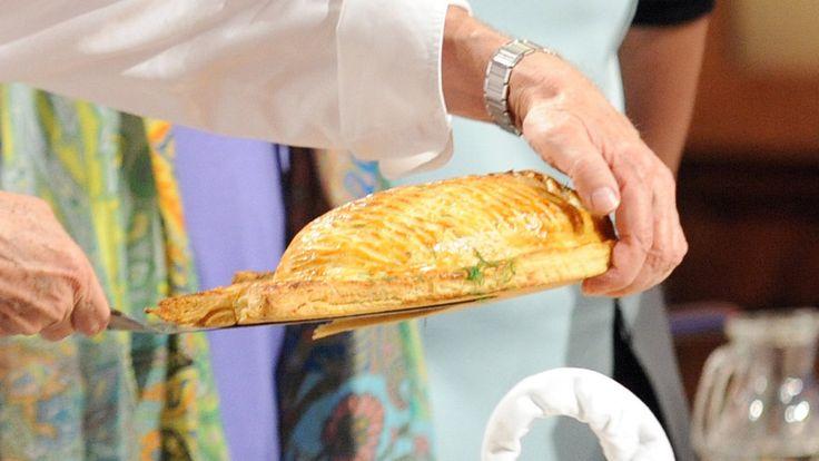Michel Roux: Łosoś w cieście francuskim serwowany z białym masłem ā l'aneth