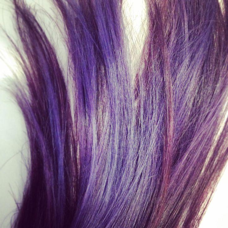 Purple hair. Ion hair color. Two tone hair. Feria violet