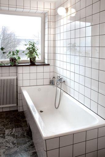 Built-in bathtub in Functional style and marble floor. #joelhome