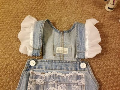 Adorable DIY Senior Overalls - vintage-style, unique, only $40, perfect if you're on a budget!