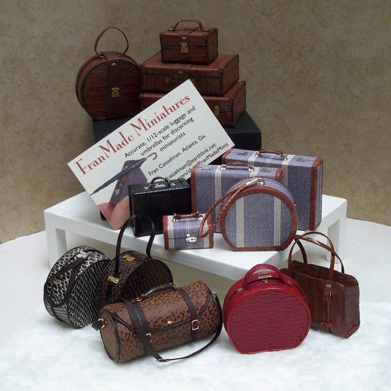 1:12 Scale Miniature Luggage / Ladies' Red Hatbox door FranMadeMinis