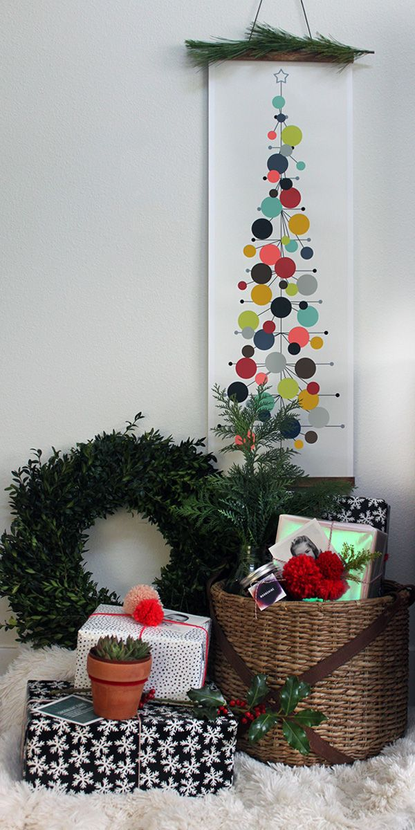 Mid,Century Modern Christmas Tree + Decorating a Small Space