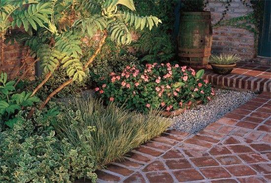 Ideas jardines peque os dise o de interiores proyectos - Jardines interiores pequenos ...
