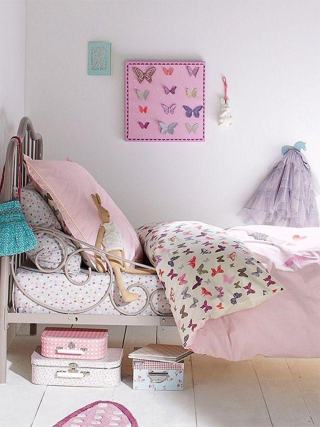 Dormitorio infantil de niña en tonos rosados