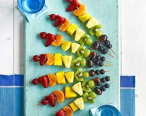 Przepis dnia - Tęczowe szaszłyki owocowe