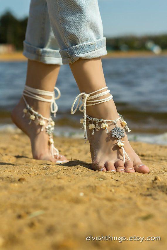 Geweldige barefoot sandalen met lotusbloemen en olifanten.  Ideaal voor het strand bruiloft, yoga of dance klassen, andere barefoot activiteiten.  ♥ Vrije geest, boho look ♥ in het oog springende voet juwelen  Blote voeten, kan worden gedragen met schoenen of slippers.  Één grootte past de meeste.  Contact met water kan veroorzaken sommige kleurwijzigingen van metalen onderdelen.  Meer barefoot sandals: http://www.etsy.com/shop/ElvishThings?section_id=12628863…