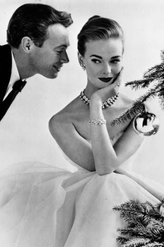 New Couples Guide to Happy Holidays- http://www.elle.com/life-love/sex-relationships/first-holidays-with-new-relationship-boyfriend-dating-tips