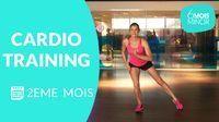 Suivez Lucile Woodward, coach sportif, dans une séance de cardio-training pour perdre du poids. Si vous débutez, n'hésitez pas à reprendre les séances de cardio , tonification musculaire et stretching du 1 er mois. Pour obtenir des résultats, mangez équilibré et si vous le pouvez, faites vous accompagner d'un nutritionniste. >> A pratiquer plusieurs fois par semaine et à combiner avec la séance de renforcement musculaire du 2eme mois . Pensez également à pratiquer la ...