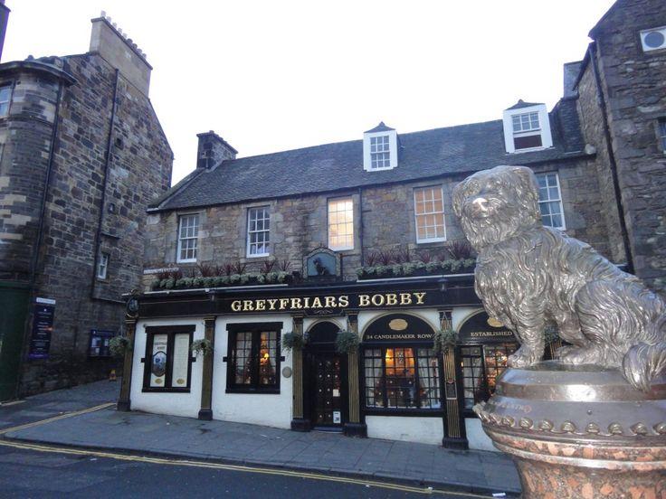 Greyfriars Bobby, un cane terrier divenuto simbolo a Edimburgo