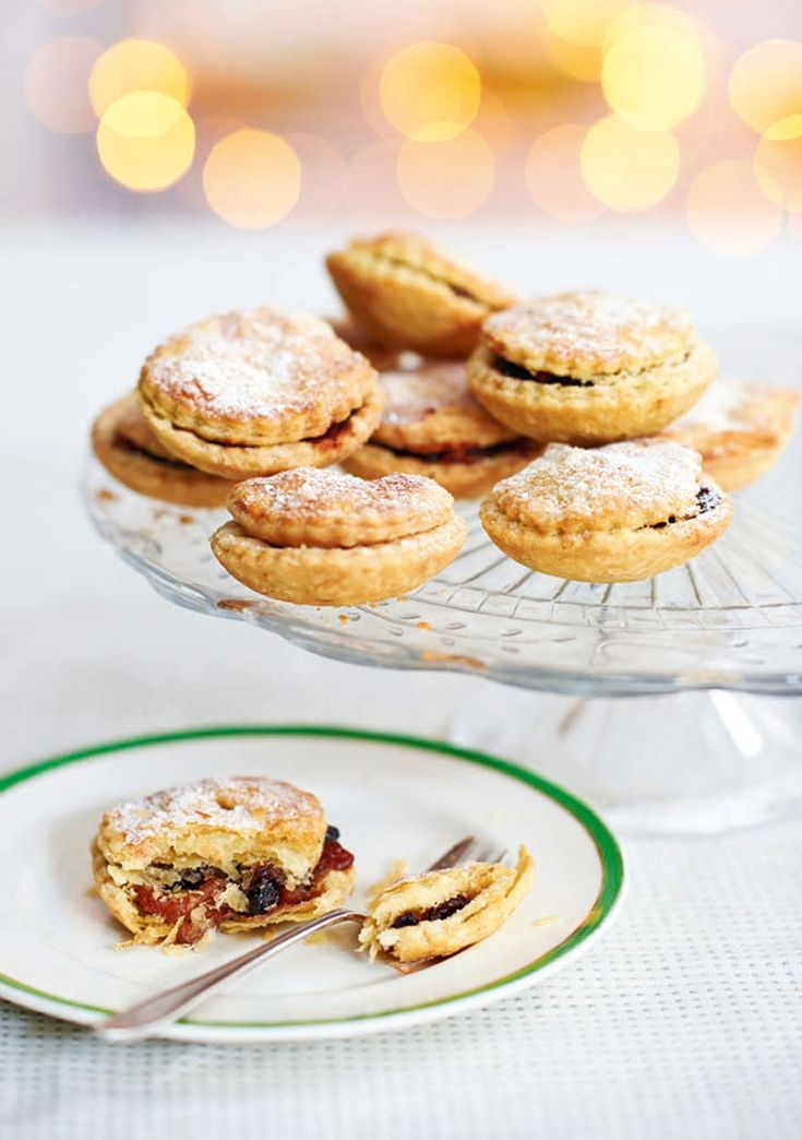 Our 2014 mince pie challenge winner Angela Perkins shares her homemade, traditional recipe.