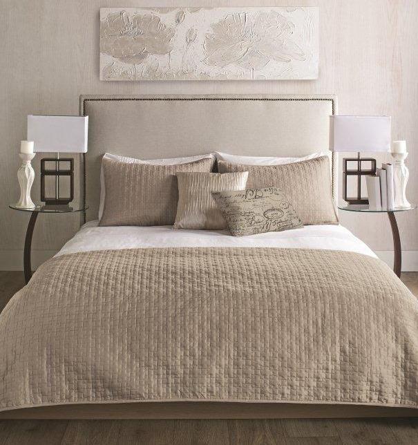 bouclair chambre coucher couvre lit farris visitez. Black Bedroom Furniture Sets. Home Design Ideas