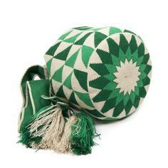 Colors: Hand-knitted on Crochet Band Handle type Beige Wayuu Bag with green shades. Approximate sizes: - Height : 25 cm - Handle: 106 cm - Diameter : 25 cm Each bag is handmade, which makes each piece unique. There can be a small design variance.