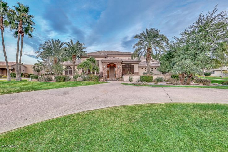 19 E. Oakwood Drive, Chandler. Listed by The Ryan Whyte Team. Offered at $1,375,000 #remaxINFINITY