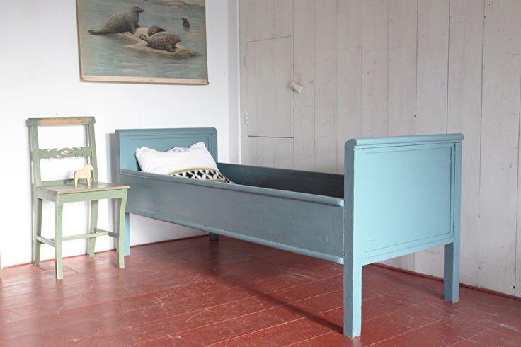 Lit Antique blå Suédois | loppis | SALE! | Rosa Rugosa