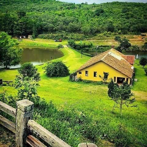 Fazenda em Minas Gerais, Brasil. Fotografia: http://www.portalanaroca.com.br