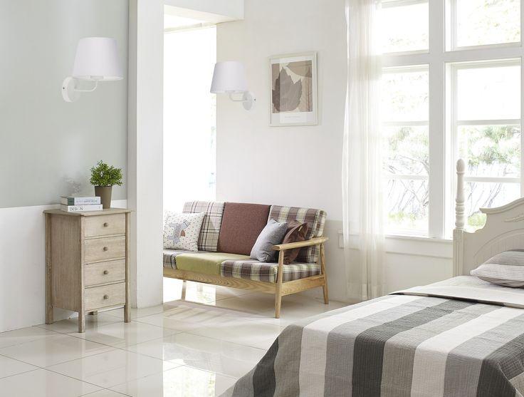 Kinkiet Maja TK Lighting  pewnością sprawdzi się jako kinkiet przy łóżku, bądź w korytarzu, gdzie usprawni wykonywanie poszczególnych aktywności swoim użytkownikom.