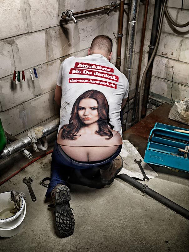 T shirt Turns Plumbers Crack Into Cleavage