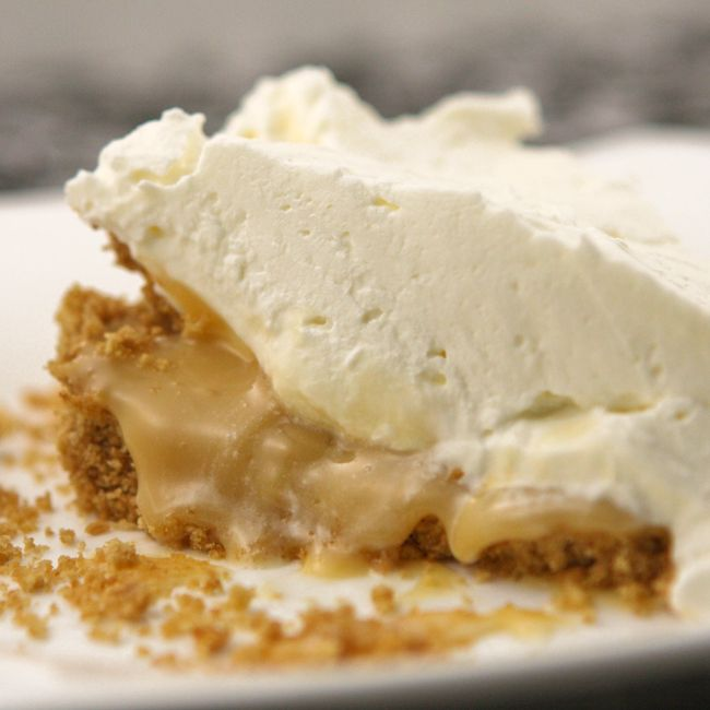 This salted caramel pie will make you weak in the knees!