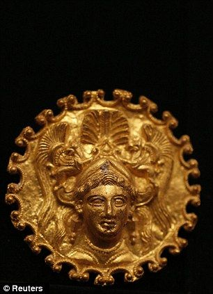 A pair of golden artefacts that date back to the end of the fourth or beginning of the third century BC