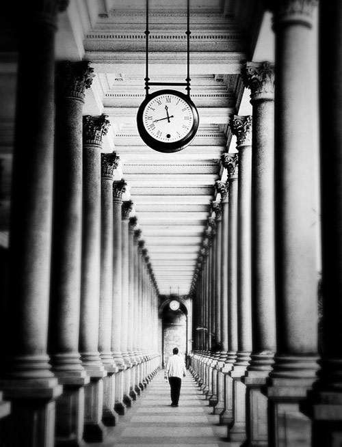 29 Examples of One Point Perspective Black and White Photography
