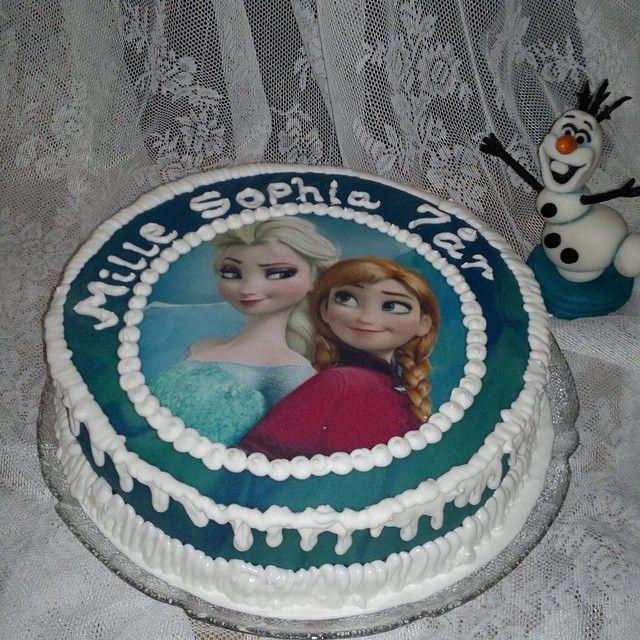 """""""#frostkake #frozencake #olaf #elsa #anna #disney #disneyfan #kake #bake #bakemyday #melkesjokoladekrem#nrkmat#cakeartist #cakeboss…"""""""