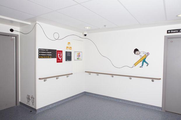 Szpital dziecięcy w Londynie Korytarze (PEEPSHOW COLLECTIVE, 2012)
