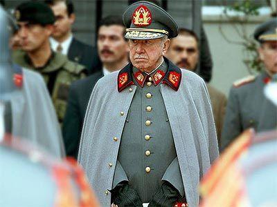 Augusto Pinochet Ugarte fue el dictador chileno que ostentó el poder desde 1973 hasta 1990.