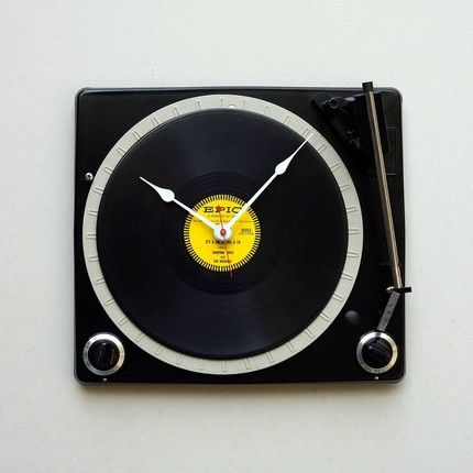 Audiophiles or those who simply miss the good old vinyl will simply love the Turntable Clock (I know, I do)Music Decor, Music Furniture, Interiors Design, Consoles Turntable, Wall Clocks, Recycle Stuff, Furniture Design, Turntable Clocks, Clocks Wwwmydallasgigscom