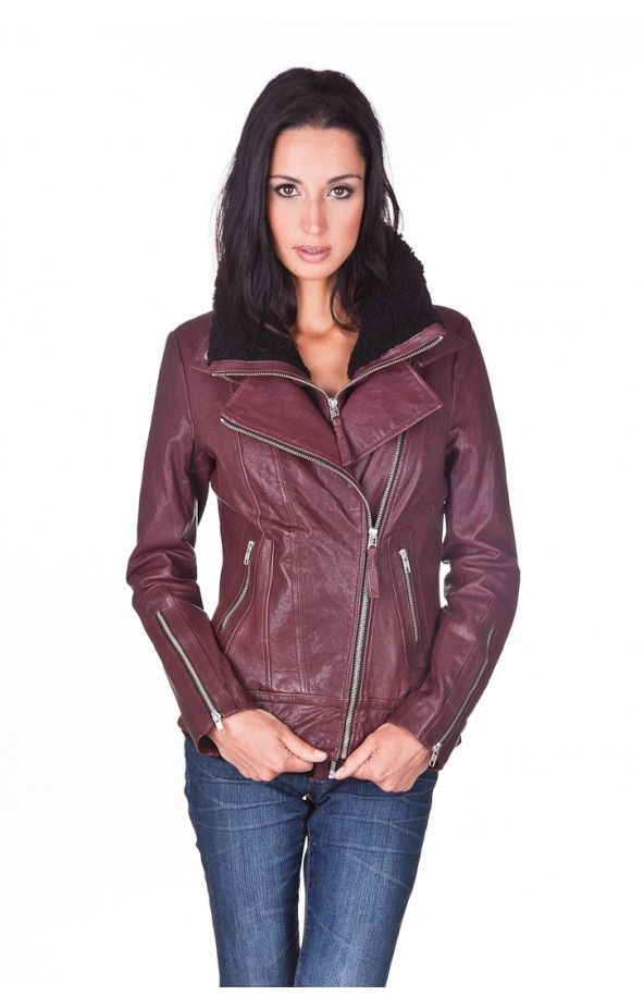 Mackage Veruca - Merlot  http://www.stylexchange.com/en/women-s/veruca.html#.Ui-Bbca1Em0