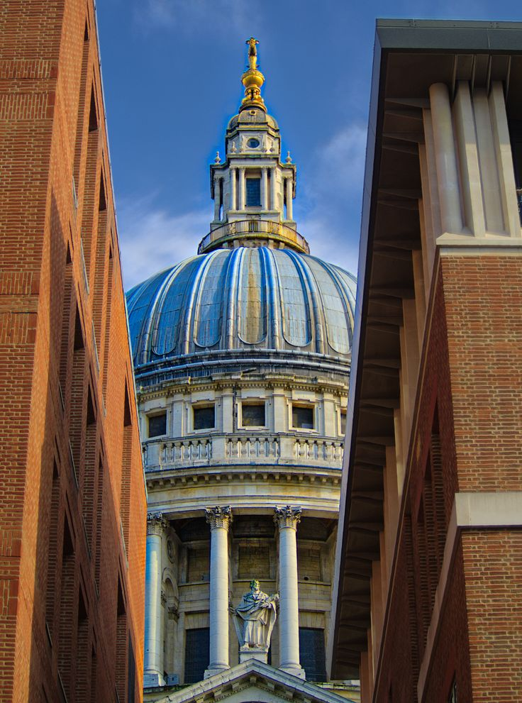 Leading to St Paul's