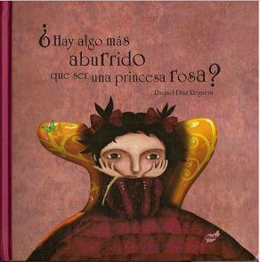 Carlota estaba harta del rosa y de ser una princesa. Carlota no quería besar sapos para ver si eran príncipes azules. Carlota siempre se preguntaba por qué no había princesas que rescataran a los príncipes azules de las garras del lobo o que cazaran dragones o volaran en globo.