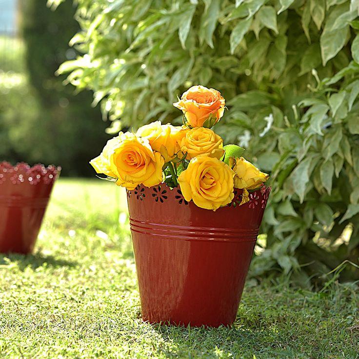 Planters lazer cutwork - set of 3 #planters #plant #garden #flowers #shazliving #pinit #pinterest #leaves #gardening Shop at: https://www.shazliving.com/