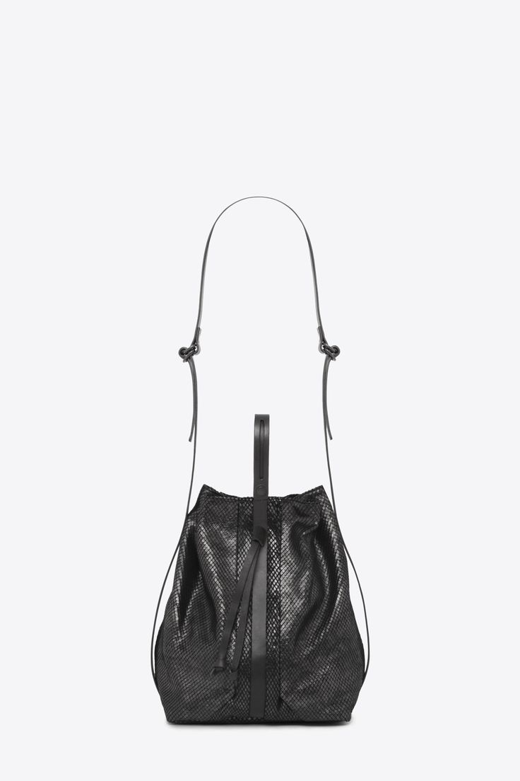The Beat Bucket Bag Serpentine Black