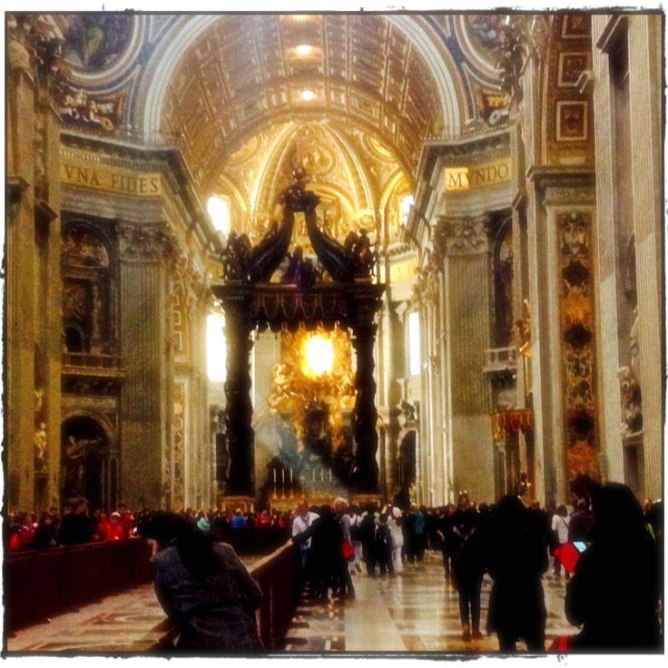 #streamingsunlight inside Basilica Di San Pietro, Vatican City