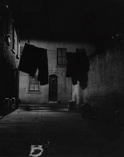 Bermondsey 1937   Photo: Bill Brandt