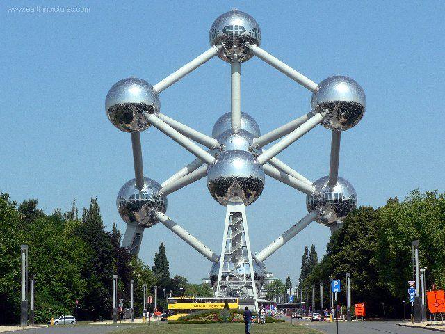Atomium im Belgien Reiseführer http://www.abenteurer.net/1000-belgien-reisefuehrer/