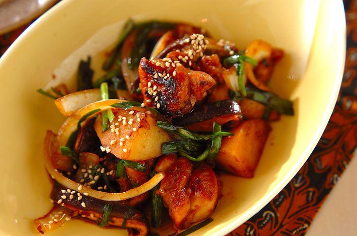 韓国風の鶏焼き肉! 甘辛い味付けでご飯が進みますよ!ダッカルビ[エスニック料理/炒めもの]2010.03.22公開のレシピです。