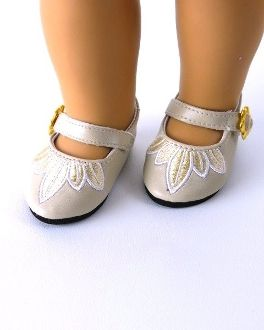 Doll dress up. Gorgeous Embroidered doll dress shoes