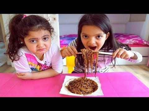 Masal And Oyku Eats Black Noodles Mommy Feedskoolol Kids Youtube Black Noodles Eat Feeding