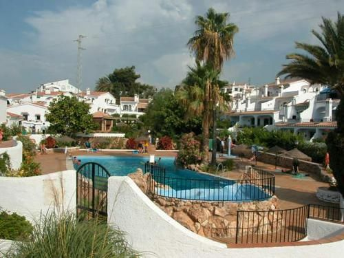 1 bedroom holiday apartment in Capistrano village situated just outside Nerja, 0.5Km from the main Burriana beach. For more info: http://www.akilar.com/listing--1294.html
