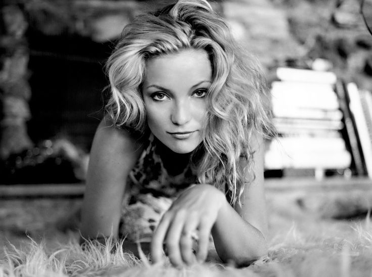 Kate Hudson Black White #wallpaper
